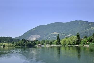 Lac de Endine, Spinone