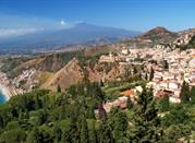 Taormina, un magnifique balcon sur la mer - Taormina