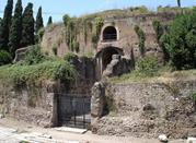 Visitando el Mausoleo del Primer Emperador de Roma  - Roma