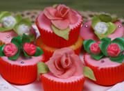 Was zu machen in den Ferien in Juni? Das Rosenfest – Parfümieren die Seele - Busalla