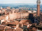 Cittadina della toscana medievale - Siena