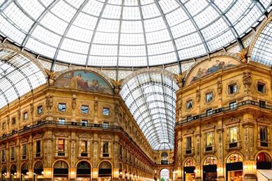 Le romantique Milan sur le Corso Vittorio Emanuele