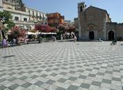 Piazza Nove Aprile - Taormina