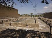 Villa Adriana: Quadriportico con Peschiera - Tivoli