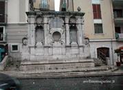 Fontana dei Tre Cannoli - Napoli