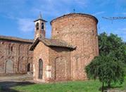 Pieve e Battistero di Velezzo XI sec. - Semiana