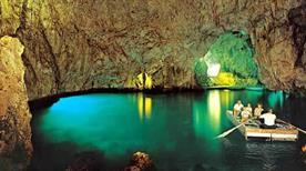 Grotta dello smeraldo e presepe subacqueo