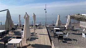Blunt Beach Club - >Genova