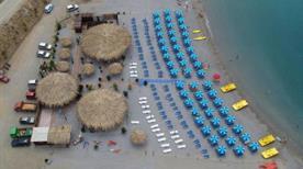 Jamaica Beach - >Paola