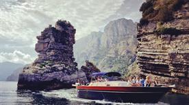 Noleggio Barche Lucibello Sas - >Positano