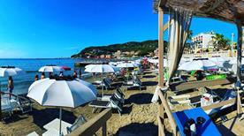 Tommy Beach - >Diano Marina
