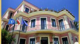 Relais Villa Oteri - >Bacoli