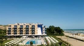 Roses Hotel - >Roseto Degli Abruzzi