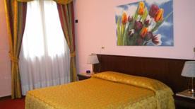 HOTEL DONATELLO - >Padova