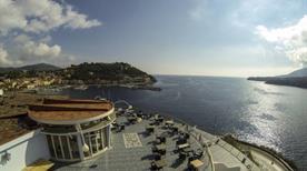 HOTEL PLAZA - >Porto Azzurro