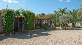 Bed and Breakfast La Petrara Resort - >Avola