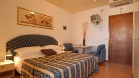 HOTEL AMBURGO - >Bibione