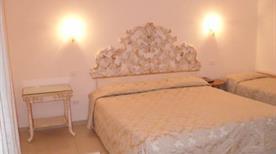 HOTEL DUE TORRI - >Bologna