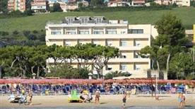 HOTEL CRISTALLO - >Giulianova