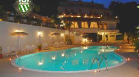Hotel Pineta Ristorante Castello - >Cava de'Tirreni
