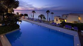 HOTEL CONTINENTAL MARE - >Ischia