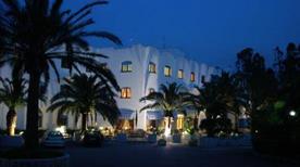 Hotel Azzolini - >Carini