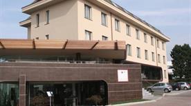AXOLUTE COMFORT HOTEL - >Cantu'