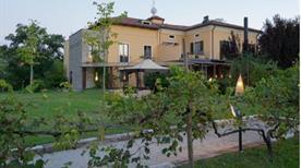 HOTEL LANGHE - >Alba