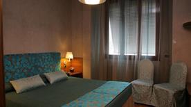 PARK HOTEL MEUBLE' - >Como
