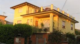 Villino L'Argine - >Camaiore