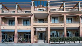 HOTEL DEL PORTO - >Cannigione