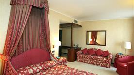 HOTEL DUE MONDI - >Turin