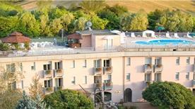 HOTEL SPORTING - >Tabiano