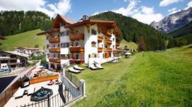 Small Luxury & Spa Hotel Savoy - >Selva di Val Gardena