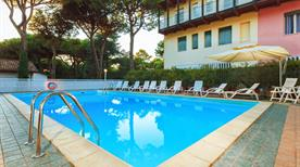 HOTEL COLUMBIA - >Marina Romea