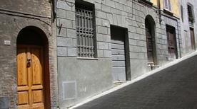 XENIA di Natulan Lourdes - >Siena