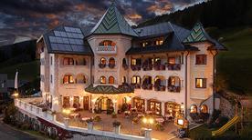 HOTEL ANSITZ  JAKOBERHOF - >Ortisei