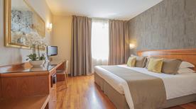 Hotel Palace - >Verona