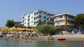 Residence Villa Marina Apartments - >Diano Marina