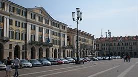 Piazza Galimberti - >Cuneo