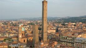 Torre degli Asinelli - >Bologna