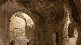 Cripta S.Restituta (XIII Sec) Simulacro Altare - >Cagliari