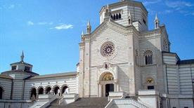 Cimitero Monumentale - >Milano