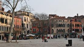 Campo San Polo  - >Venezia