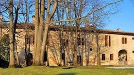 Castello di Zena - >Carpaneto Piacentino