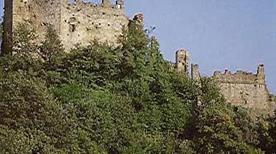 Castello di Moneta Diroccato - >Carrara