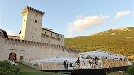Rocca Calestro ruderi - >Foligno