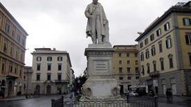 Monumento a Cavour - >Livorno