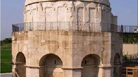 Mausoleo di Teodorico - >Ravenna