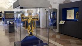 Museo del Tesoro della basilica di San Francesco - >Assisi